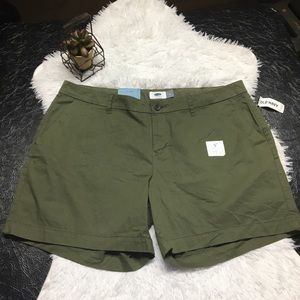 Old Navy Olive Shorts Size 14